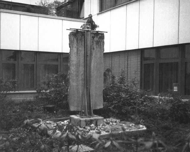 gert linke, fountain in the courtyard of the hospital